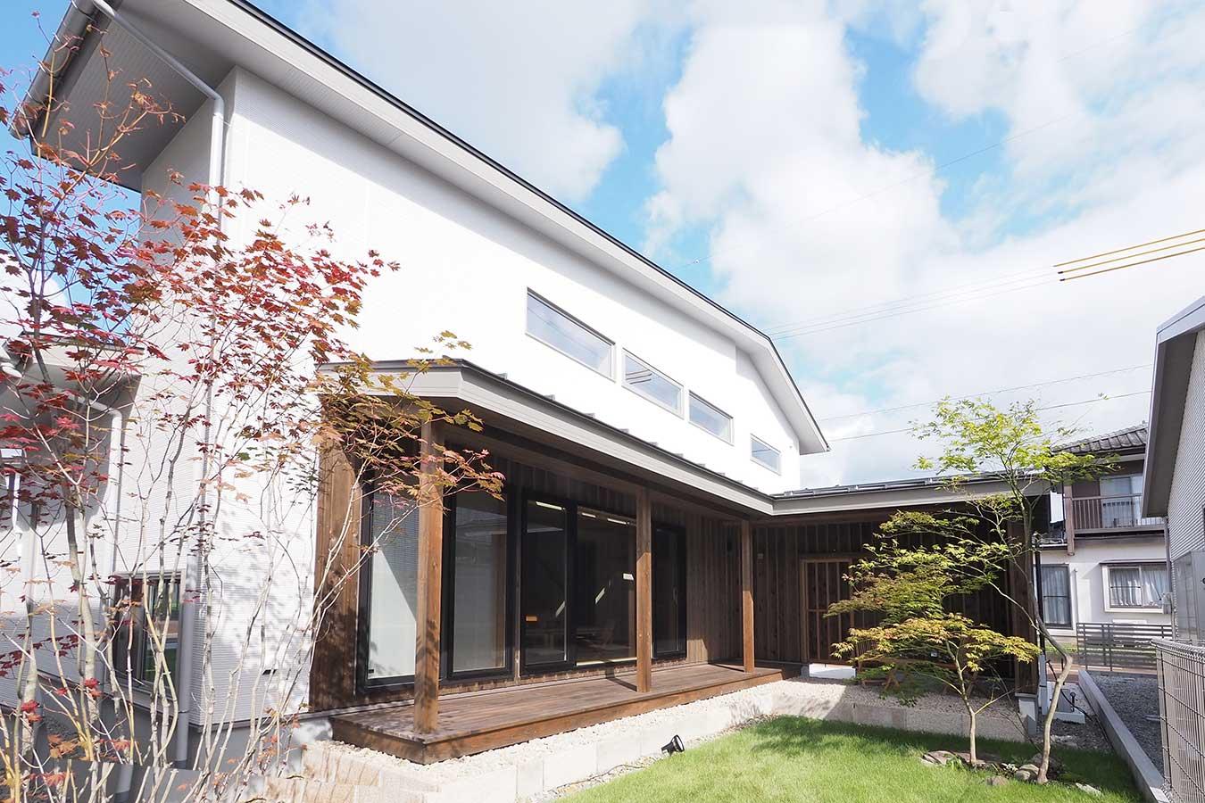 グリーンスタイルの建売住宅です。日本庭園をイメージ。東屋、縁側、そしてなつかしさ。